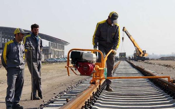 پروژه ریل گذاری ۱۴۵ کیلومتر از راه آهن رشت – قزوین