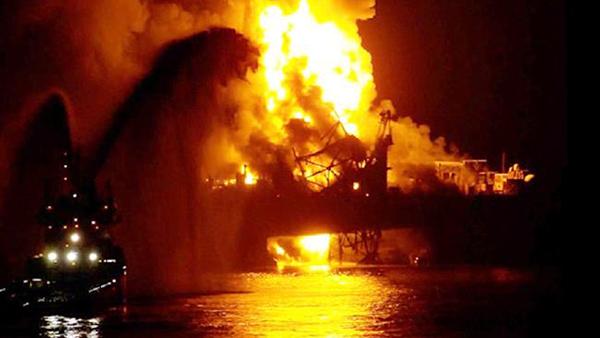جزئیاتی از حادثه آتش سوزی دکل شماره ۹۵ فتح