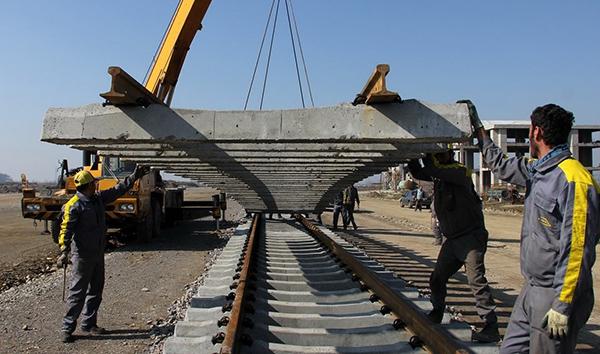 ریل گذاری ۱۴۵ کیلومتر از راه آهن قزوین – رشت