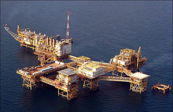 با هدف تعیین تکلیف پروژه NGL خارک شرکت نفت فلات قاره قرارداد ۸۰۰ میلیون یورویی امضا کرد