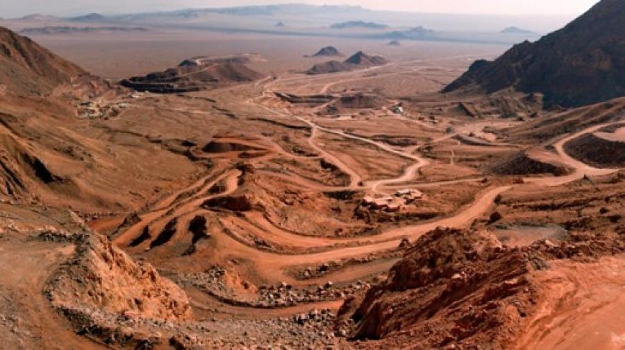 اتمام فاز اول معدن سرب و روی مهدی آباد یزد با ظرفیت ۲۰۰ هزارتن تا پایان سال ۹۶