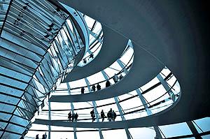 مسوولیت اخلاقی شرکتها برعهده چه کسی است؟