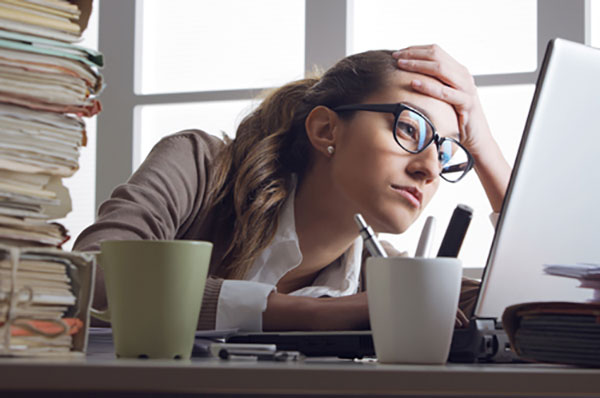 یک مدیر موفق چگونه میتواند دلایل اصلی ناکامی یا بی کفایتی کارمندانش را پیدا کند؟