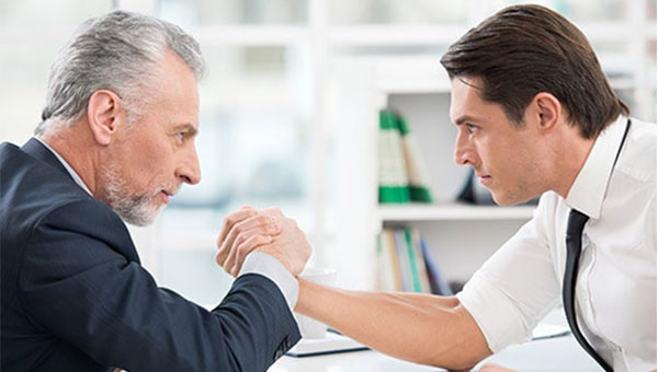 مزایای استخدام نیروی کار مسن نسبت به جوانان